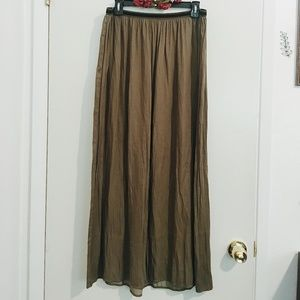 Old Navy olive green maxi skirt